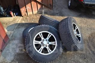 Продаю хороший комплект колес. x17 6x139.70