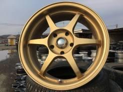 Золотые модные редкие выносные спорт-диски Racing R17!. 7.0x17, 5x114.30, ET38, ЦО 73,0мм.