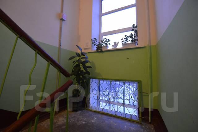1-комнатная, улица Комсомольская 38. Центральный, 40 кв.м. Подъезд внутри