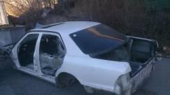 Задняя часть автомобиля. Toyota Celsior, UCF20, UCF21