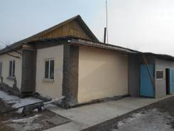 Продам часть жилого дома с земельным участком. С. Монастырище по ул. Якименко, р-н Черниговский, площадь дома 64 кв.м., скважина, электричество 5 кВт...