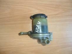 Бачок гидроусилителя руля. Toyota Voxy, AZR65G, AZR65, AZR60, AZR60G Toyota Noah, AZR65G, AZR65, AZR60, AZR60G Двигатель 1AZFSE