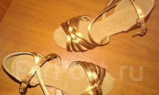 Туфли бальные. 26