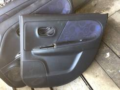 Обшивка двери. Nissan Note, E11