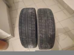 Bridgestone Blizzak Revo1. Всесезонные, износ: 90%, 2 шт