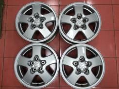 Nissan. 7.0x16, 5x114.30, ET40, ЦО 66,0мм.