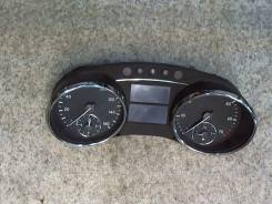 Щиток приборов (приборная панель) Mercedes