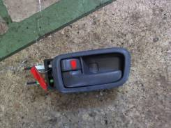 Ручка двери салона Toyota Picnic, левая задняя