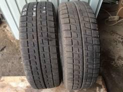 Bridgestone Blizzak Revo2. Зимние, 2011 год, износ: 5%, 2 шт