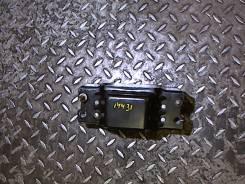 Подушка крепления КПП Volkswagen Passat 6 2005-2010