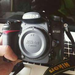 Nikon D7000 Body. 15 - 19.9 Мп, зум: без зума