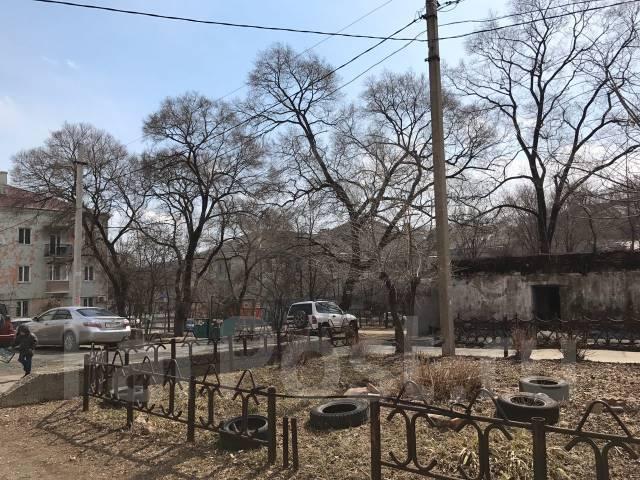 2-комнатная, Владивостокская. Ленинской, агентство, 61 кв.м. Вид из окна днём