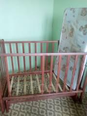 Срочно продам детскую кроватку и автокресло