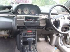 Консоль центральная. Nissan X-Trail, NT30 Двигатели: QR25, QR20DE, QR25DE