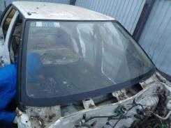 Стекло лобовое. Toyota Sprinter, EE90
