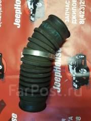 Патрубок воздухозаборника. Toyota Hilux Surf, LN130G, LN130W Двигатель 2LTE