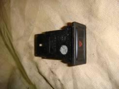 Кнопка включения аварийной сигнализации. Toyota Corona, ST191, ST190, CT190, CT195, ST195, AT190 Toyota Caldina, CT198, CT196, CT190, ET196, ST190, ST...