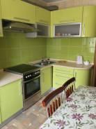 3-комнатная, улица Приморского Комсомола 35. 6-ой микрорайон, частное лицо, 69 кв.м.