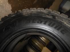 Bridgestone W910. Зимние, шипованные, 2015 год, износ: 5%, 1 шт