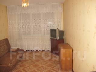 Гостинка, улица Надибаидзе 26. Чуркин, частное лицо, 18 кв.м. Комната