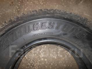 Bridgestone Blizzak W969. Зимние, шипованные, износ: 20%, 1 шт