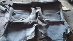 Ковровое покрытие.