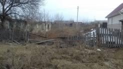 Продам земельный участок в центре с. Чугуевка с нежилым домом. 1 100 кв.м., собственность, электричество, от частного лица (собственник). Фото участк...