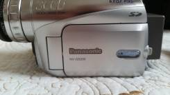 Panasonic NV-GS200. Менее 4-х Мп, с объективом