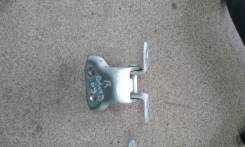 Крепление боковой двери. Toyota Vitz, NCP95 Двигатель 2NZFE
