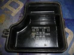 Крышка блока реле и предохранителей Toyota Carina AT192 5A