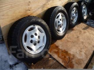 Продам комплект колес 215/70/15. x15 6x139.70