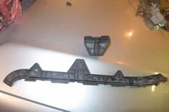 Крепление бампера. Toyota Avensis, AZT250