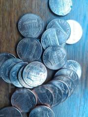 Продам 30 монет США .