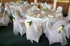 Аренда свадебных чехлов на стулья и белых тканевых салфеток 40СМ*40СМ
