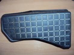 Упор для ног передний Toyota Corolla #ZE12# (левый руль)