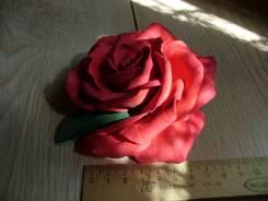 Красная роза , заколка ручной работы