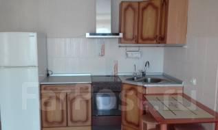 2-комнатная, улица Ульяновская 5/2. частное лицо, 56 кв.м. Кухня