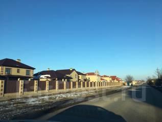 Земельный участок п. Знаменский. 400 кв.м., собственность, электричество, вода, от частного лица (собственник)