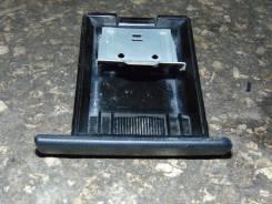 Пепельница. Nissan Cube, AZ10 Двигатель CGA3DE