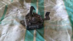 Замок капота. Mazda Demio, DW3W, DW5W