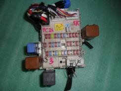 Блок предохранителей салона. Nissan Serena, TC24 Двигатель QR20DE