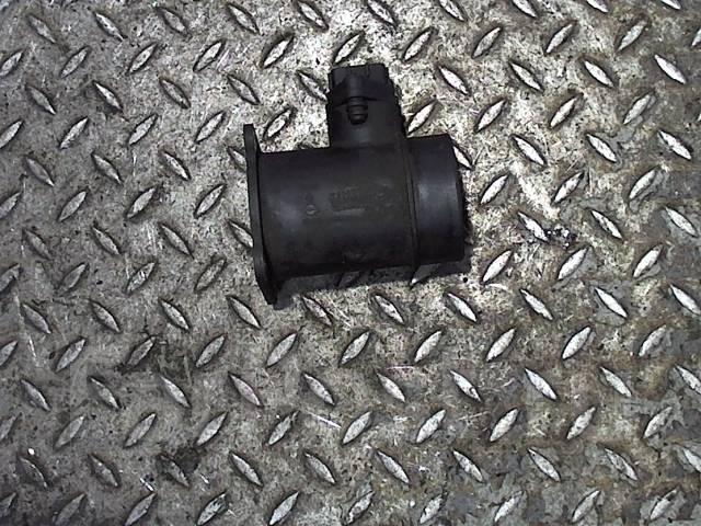 Измеритель потока воздуха (расходомер) Nissan Almera N16 2000-2006