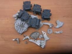 Сервопривод заслонок печки. Toyota Crown, GRS180, GRS181, GRS182, GRS183, GRS184, GRS188 Двигатель 3GRFSE