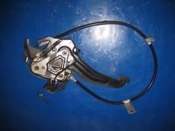 Педаль ручника. Honda Stepwgn, UA-RF3, CBA-RF4, UA-RF4, CBA-RF3, LA-RF3, LA-RF4, UA-RF5, UA-RF6, CBA-RF8, CBA-RF7, CBA-RF6, CBA-RF5, UA-RF7, UA-RF8