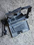 Крепление аккумулятора. Toyota Mark X, GRX120