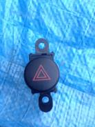 Кнопка включения аварийной сигнализации. Toyota Celica, ZZT231, ZZT230 Двигатели: 2ZZGE, 1ZZFE