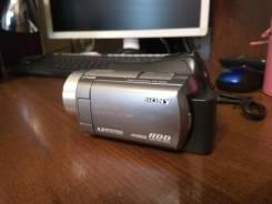 Sony DCR-SR220E. с объективом