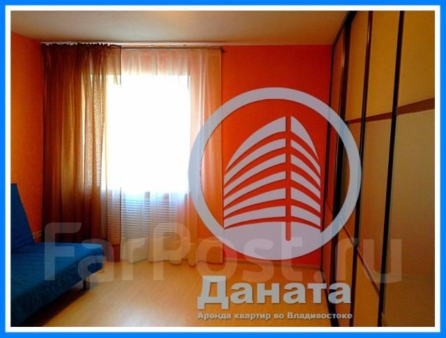3-комнатная, улица Овчинникова 4. Столетие, агентство, 80кв.м. Комната