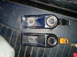Крепление радиатора. Subaru Legacy, BC3