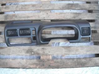 Консоль центральная. Suzuki Jimny, JB23W Двигатель K6A